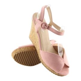 Sandałki na korkowym koturnie różowe 3811 1