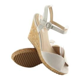 Sandałki na korkowym koturnie szare 3811 1