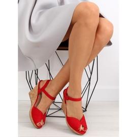 Sandałki na korkowym koturnie czerwone 3811 2