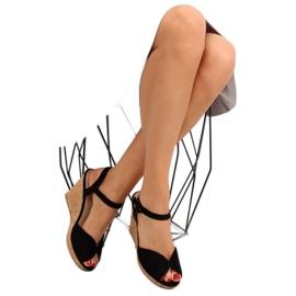 Sandałki na korkowym koturnie czarne 3811 2