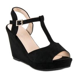 Bella Star Zamszowe sandały na koturnie czarne 2