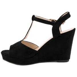 Bella Star Zamszowe sandały na koturnie czarne 3