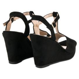 Bella Star Zamszowe sandały na koturnie czarne 4