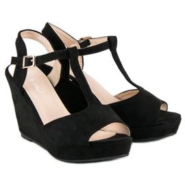 Bella Star Zamszowe sandały na koturnie czarne 5