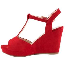 Bella Star Zamszowe sandały na koturnie czerwone 1
