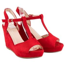 Bella Star Zamszowe sandały na koturnie czerwone 3