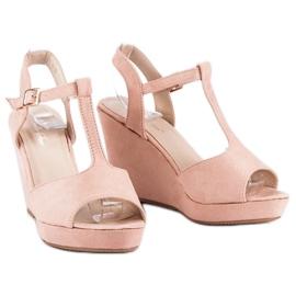 Bella Star Zamszowe sandały na koturnie różowe 1