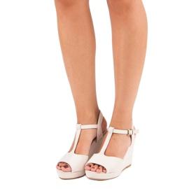 Bella Star Zamszowe sandały na koturnie beżowy 2