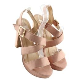 Sandałki na słupku różowe BJ1602-SD 3
