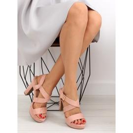 Sandałki na słupku różowe BJ1602-SD 5