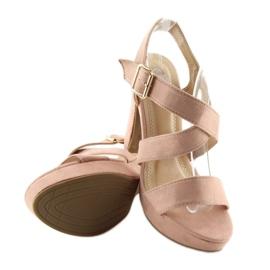 Sandałki na słupku różowe BJ1602-SD 1