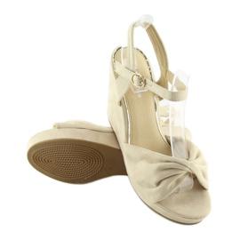 Sandałki na koturnie beżowe JM-M214M beige beżowy 3