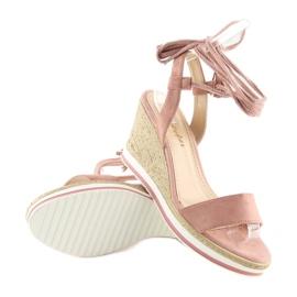 Sandałki na koturnie różowe JH630 pink 1