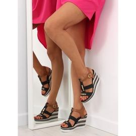 Sandałki na koturnie czarne YQ05 Black 4