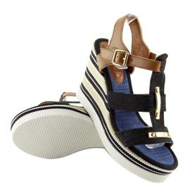 Sandałki na koturnie czarne YQ05 Black 1