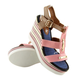 Sandałki na koturnie różowe YQ05 Pink 1