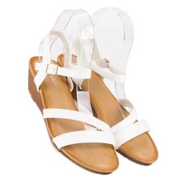 Bello Star Wygodne sandały na koturnie białe 4