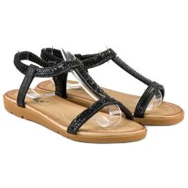 Fama Czarne sandały z gumką 3