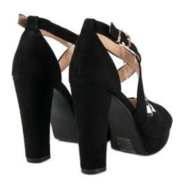 Sandały na wysokim słupku czarne 1