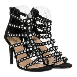 Czarne sandały na szpilce 4