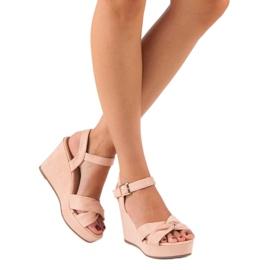 Bello Star Różowe sandały na koturnie 7