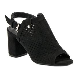 Ażurowe sandały z cholewką czarne 1