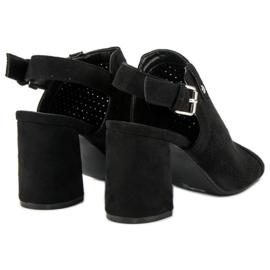 Ażurowe sandały z cholewką czarne 3