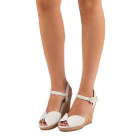 Sandały na korkowej koturnie szare 5