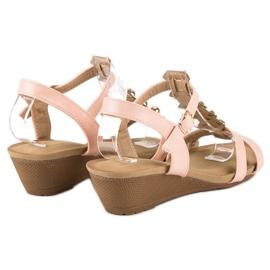 Różowe sandałki na koturnie 3