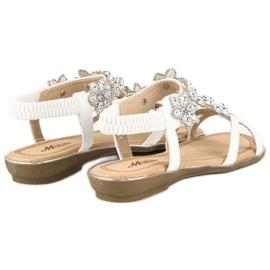 Eleganckie płaskie sandałki białe 3