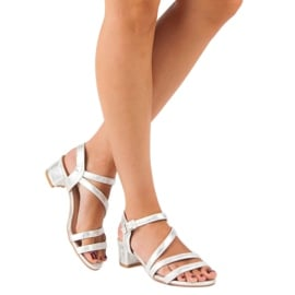 Ideal Shoes Sandały na płaskim obcasie szare 7