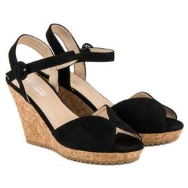 Sandały na korkowej koturnie czarne 5