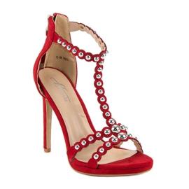 Eleganckie czerwone sandałki 2