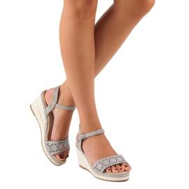 Ideal Shoes Szare espadryle na koturnie 7