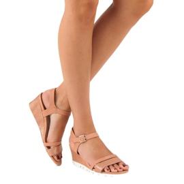Ideal Shoes Różowe sandały na koturnie 5
