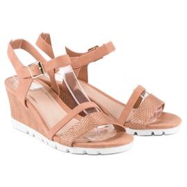 Ideal Shoes Różowe sandały na koturnie 3