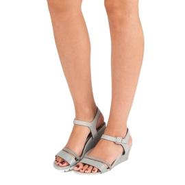 Ideal Shoes Szare sandały na koturnie 6