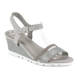 Ideal Shoes Szare sandały na koturnie 2