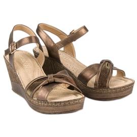 Brązowe sandały vinceza 5