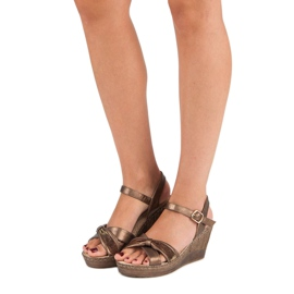 Brązowe sandały vinceza 6