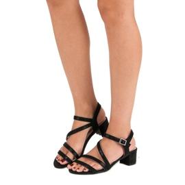 Ideal Shoes Sandały na płaskim obcasie czarne 6