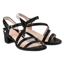 Ideal Shoes Sandały na płaskim obcasie czarne 4