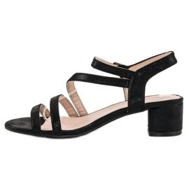 Ideal Shoes Sandały na płaskim obcasie czarne 3
