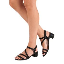 Ideal Shoes Sandały na płaskim obcasie czarne 1