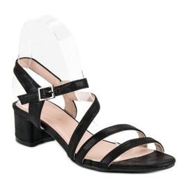 Ideal Shoes Sandały na płaskim obcasie czarne 2