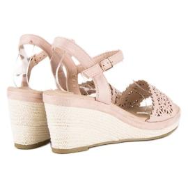 Ideal Shoes Beżowe espadryle na koturnie beżowy 3