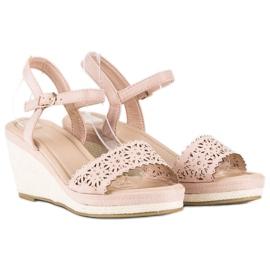 Ideal Shoes Beżowe espadryle na koturnie beżowy 4