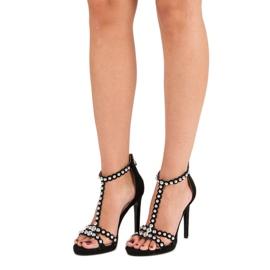 Eleganckie czarne sandałki 1