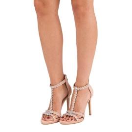 Eleganckie różowe sandałki 6