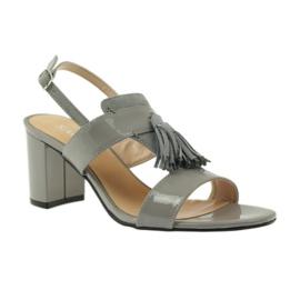 Sandały z frędzelkami Sagan 53224 szare 1